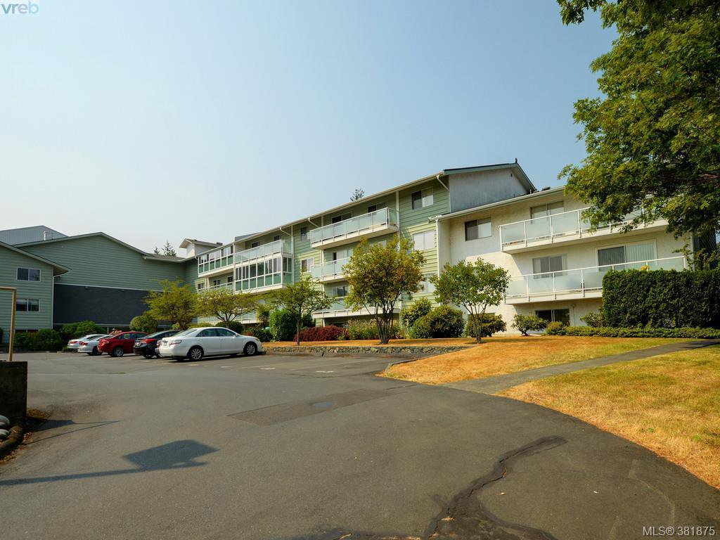 Main Photo: 402 1490 Garnet Rd in VICTORIA: SE Cedar Hill Condo for sale (Saanich East)  : MLS®# 767199