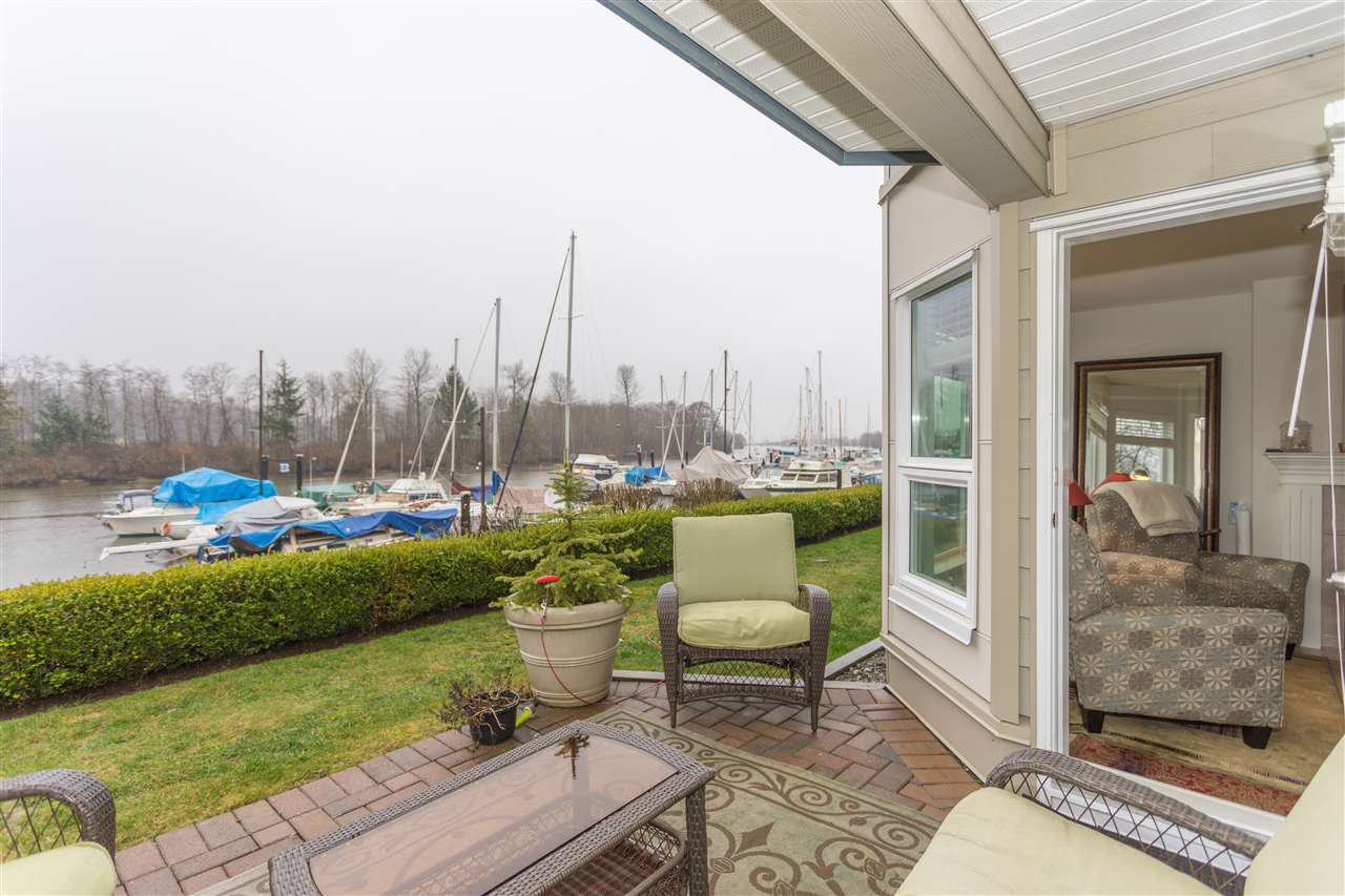 "Main Photo: 103 1468 PEMBERTON Avenue in Squamish: Downtown SQ Condo for sale in ""MARINA ESTATES"" : MLS®# R2237137"