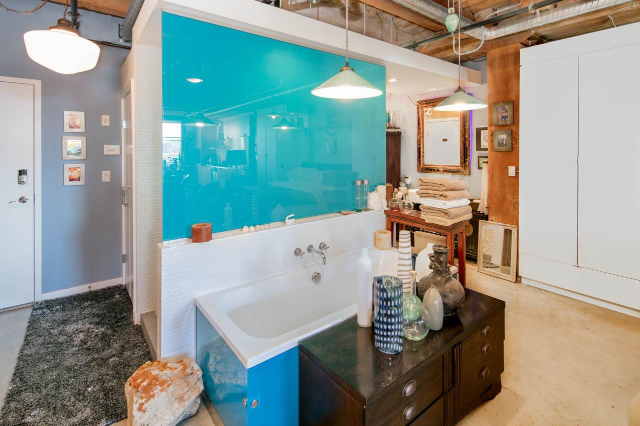 """Main Photo: 416 55 E CORDOVA Street in Vancouver: Downtown VE Condo for sale in """"KORET LOFTS"""" (Vancouver East)  : MLS®# R2248550"""