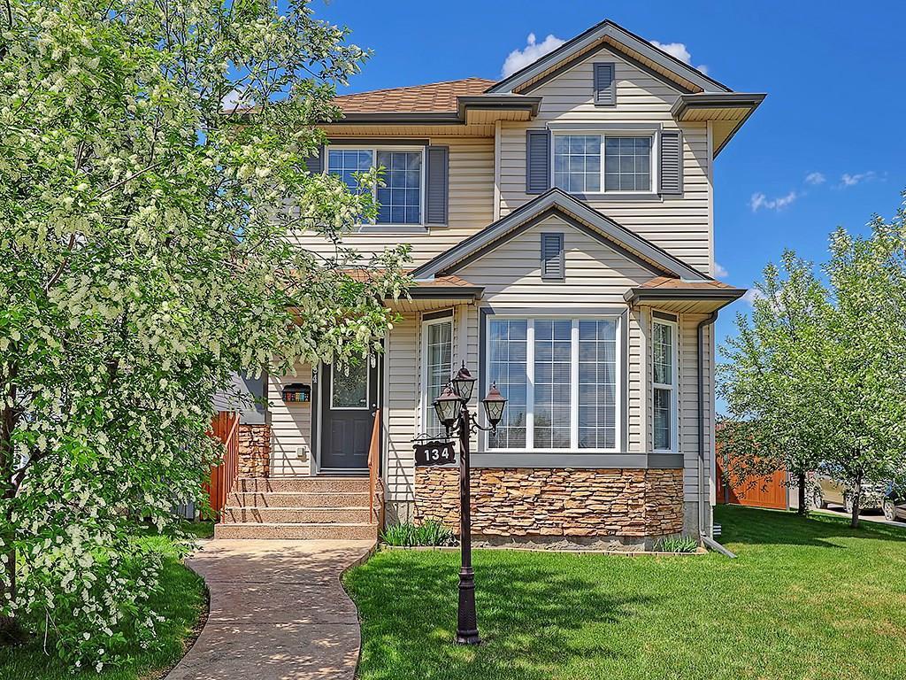 Main Photo: 134 TARALEA Manor NE in Calgary: Taradale House for sale : MLS®# C4186744