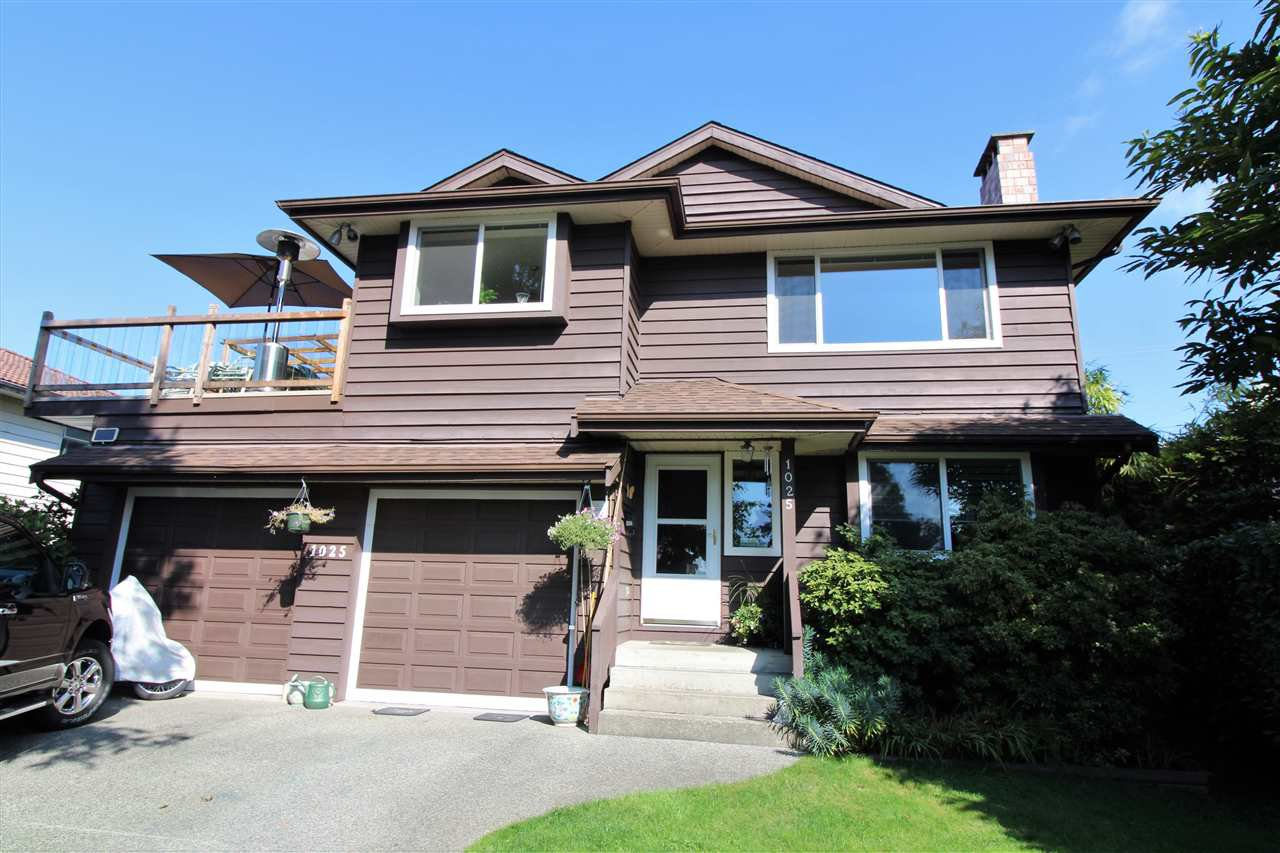 Main Photo: 1025 RIDLEY Drive in Burnaby: Sperling-Duthie House for sale (Burnaby North)  : MLS®# R2307565