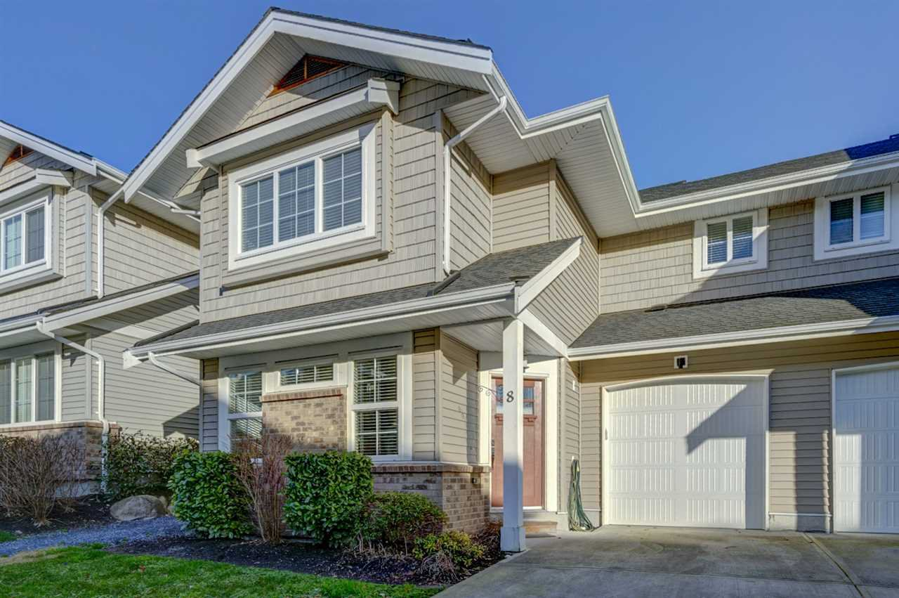 "Main Photo: 8 12161 237 Street in Maple Ridge: East Central Townhouse for sale in ""VILLAGE GREEN"" : MLS®# R2335955"
