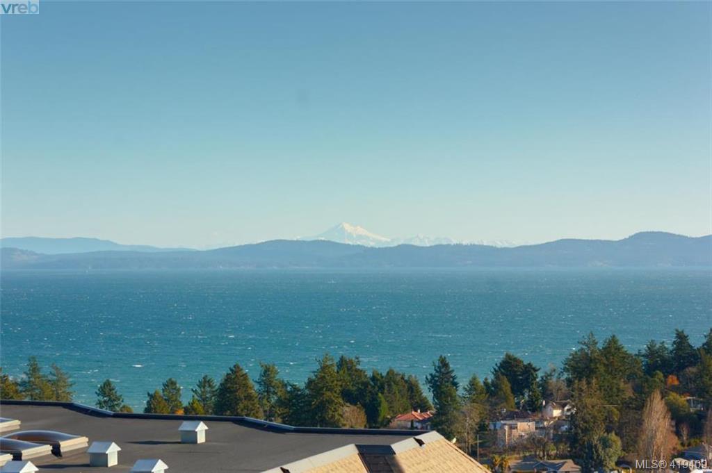 Main Photo: 4861 Sea Ridge Dr in VICTORIA: SE Cordova Bay Single Family Detached for sale (Saanich East)  : MLS®# 830089