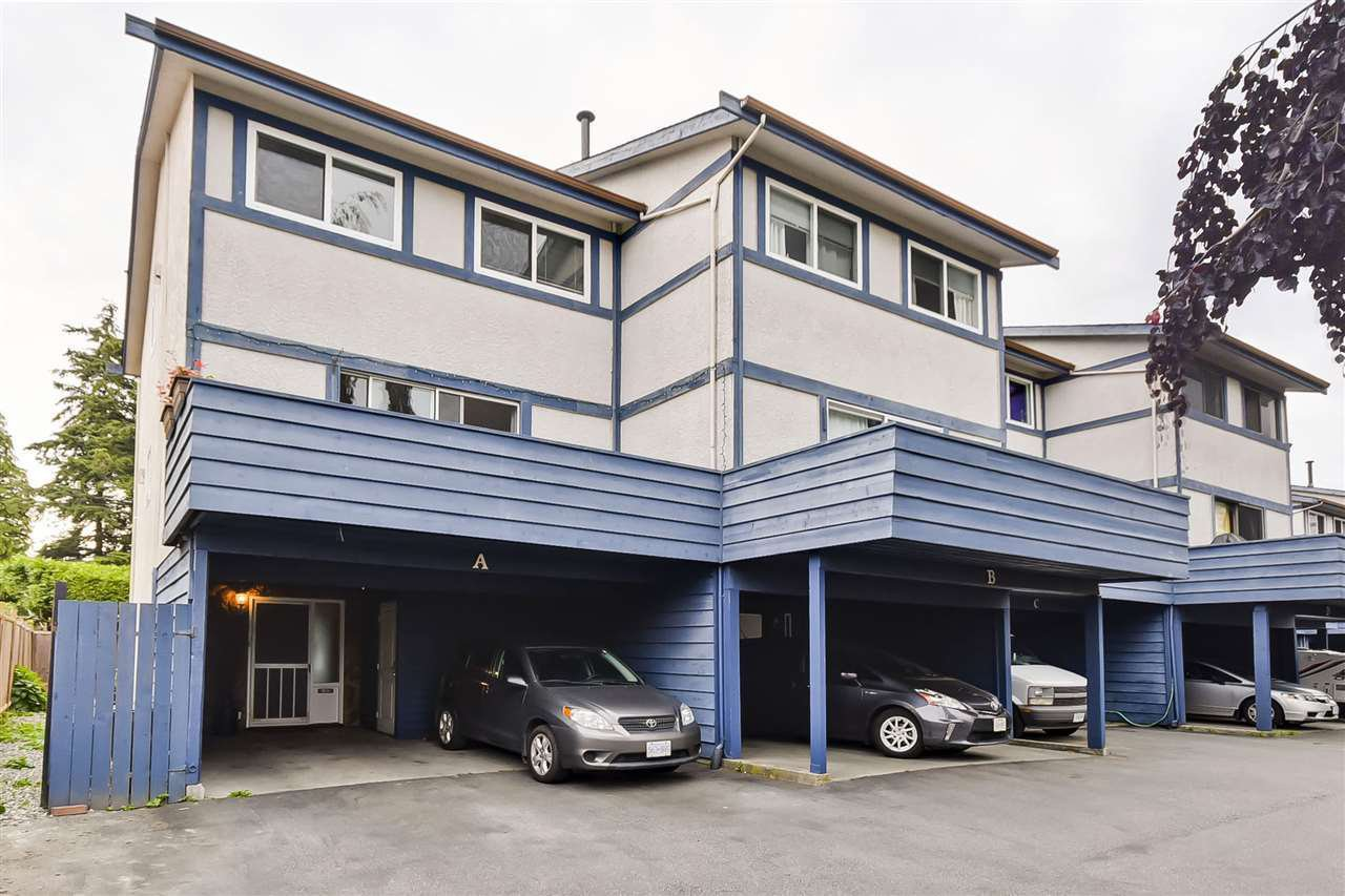 Main Photo: A 4845 LINDEN DRIVE in Delta: Hawthorne Townhouse for sale (Ladner)  : MLS®# R2446824