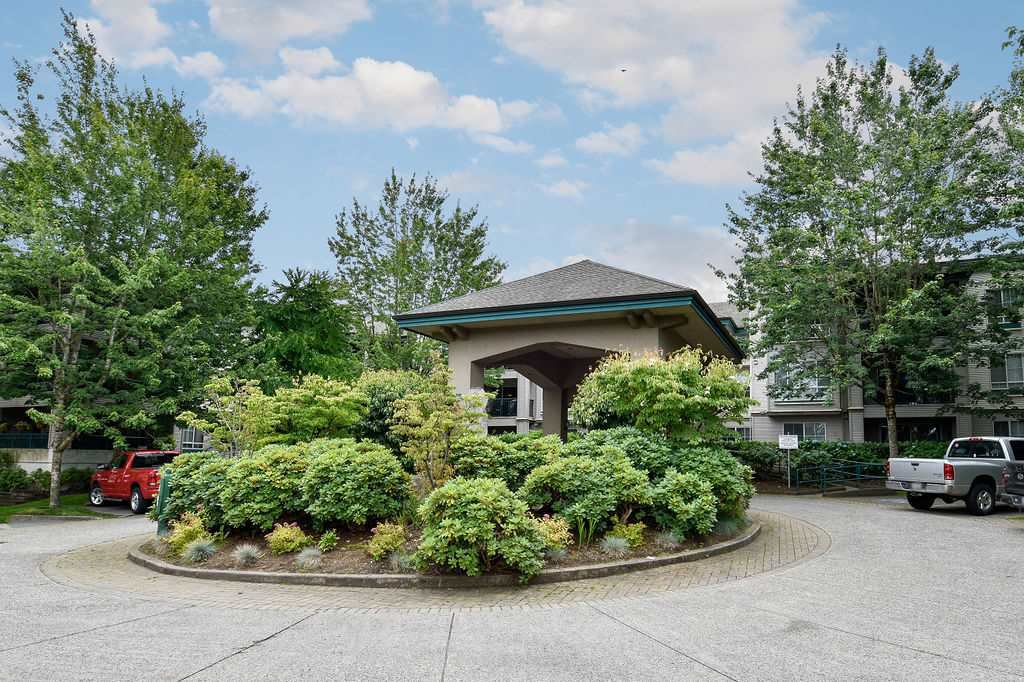 "Main Photo: 335 19528 FRASER Highway in Surrey: Cloverdale BC Condo for sale in ""THE FAIRMONT"" (Cloverdale)  : MLS®# R2469719"