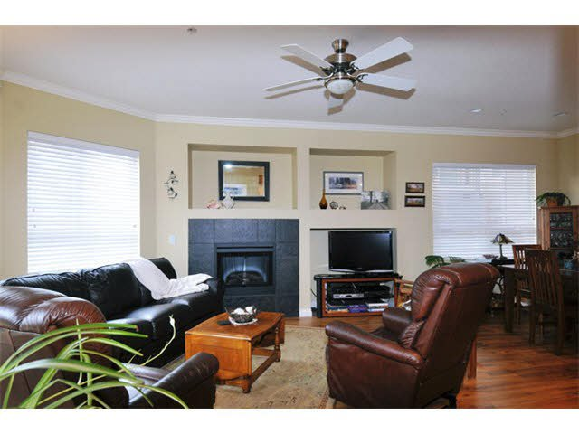 """Photo 3: Photos: 104 12090 227TH Street in Maple Ridge: East Central Condo for sale in """"FALCON PLACE"""" : MLS®# V1099703"""