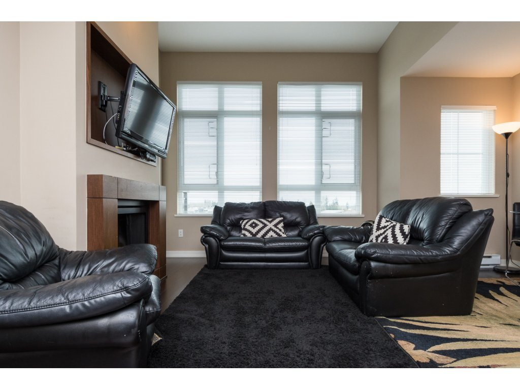 "Photo 2: Photos: 408 2950 KING GEORGE Boulevard in Surrey: Elgin Chantrell Condo for sale in ""HIGH STREET"" (South Surrey White Rock)  : MLS®# R2088792"