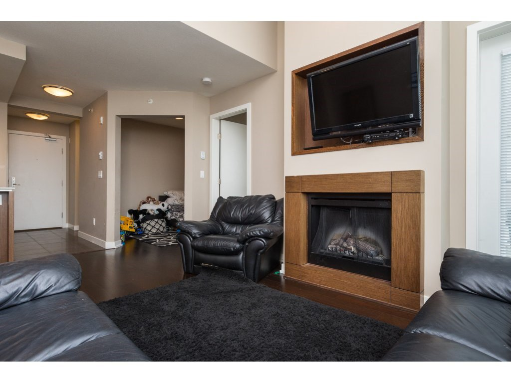 "Photo 5: Photos: 408 2950 KING GEORGE Boulevard in Surrey: Elgin Chantrell Condo for sale in ""HIGH STREET"" (South Surrey White Rock)  : MLS®# R2088792"