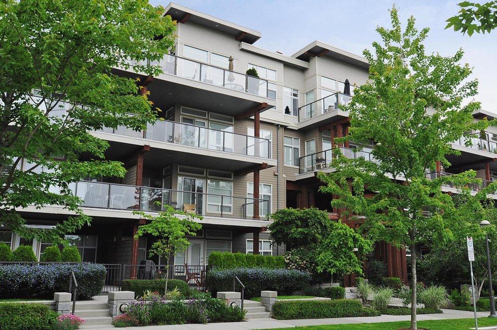 Main Photo: 302 6328 LARKIN Drive in JOURNEY: Home for sale : MLS®# V957857