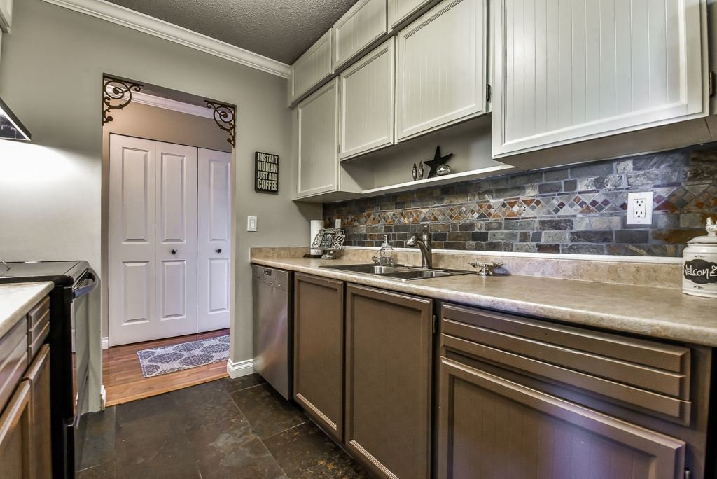"""Photo 7: Photos: 349 2821 TIMS Street in Abbotsford: Abbotsford West Condo for sale in """"Parkview Place"""" : MLS®# R2169697"""