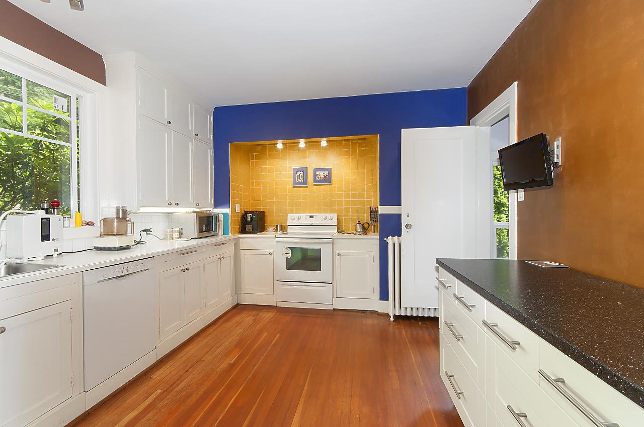 Photo 11: Photos: 4670 PICCADILLY SOUTH Road in West Vancouver: Olde Caulfeild House for sale : MLS®# R2185286