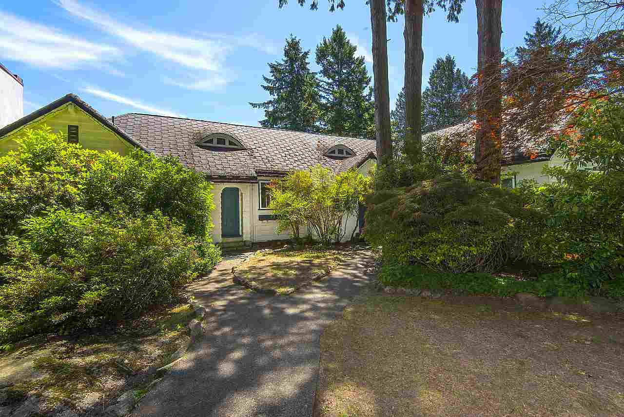 Photo 6: Photos: 4670 PICCADILLY SOUTH Road in West Vancouver: Olde Caulfeild House for sale : MLS®# R2185286