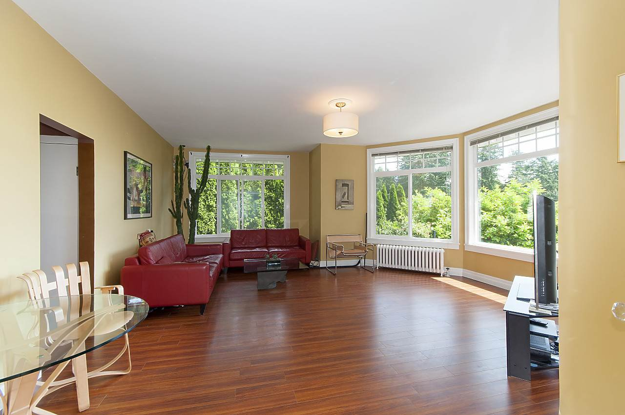 Photo 13: Photos: 4670 PICCADILLY SOUTH Road in West Vancouver: Olde Caulfeild House for sale : MLS®# R2185286