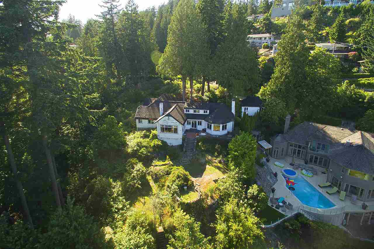 Main Photo: 4670 PICCADILLY SOUTH Road in West Vancouver: Olde Caulfeild House for sale : MLS®# R2185286