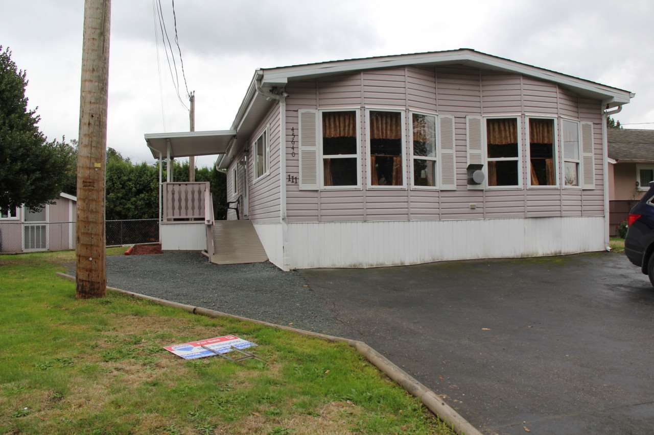 Main Photo: 111 45640 WATSON Road in Sardis: Vedder S Watson-Promontory Manufactured Home for sale : MLS®# R2213927