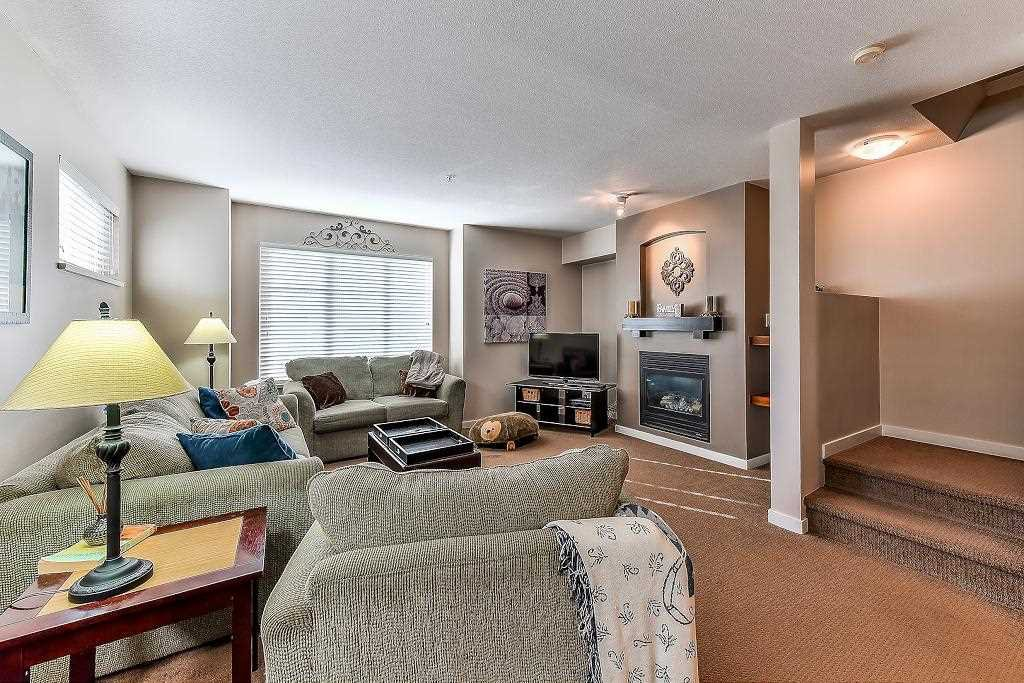 """Photo 7: Photos: 62 6651 203RD Street in Langley: Willoughby Heights Townhouse for sale in """"SUNSCAPE"""" : MLS®# R2217088"""