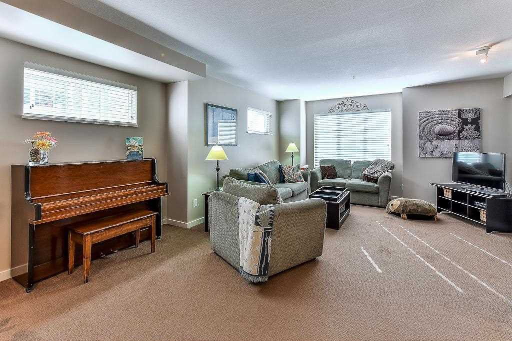 """Photo 12: Photos: 62 6651 203RD Street in Langley: Willoughby Heights Townhouse for sale in """"SUNSCAPE"""" : MLS®# R2217088"""