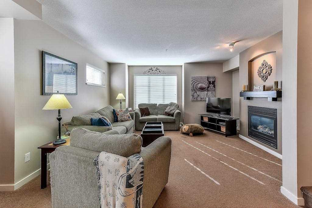 """Photo 6: Photos: 62 6651 203RD Street in Langley: Willoughby Heights Townhouse for sale in """"SUNSCAPE"""" : MLS®# R2217088"""