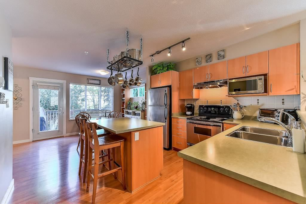 """Photo 10: Photos: 62 6651 203RD Street in Langley: Willoughby Heights Townhouse for sale in """"SUNSCAPE"""" : MLS®# R2217088"""