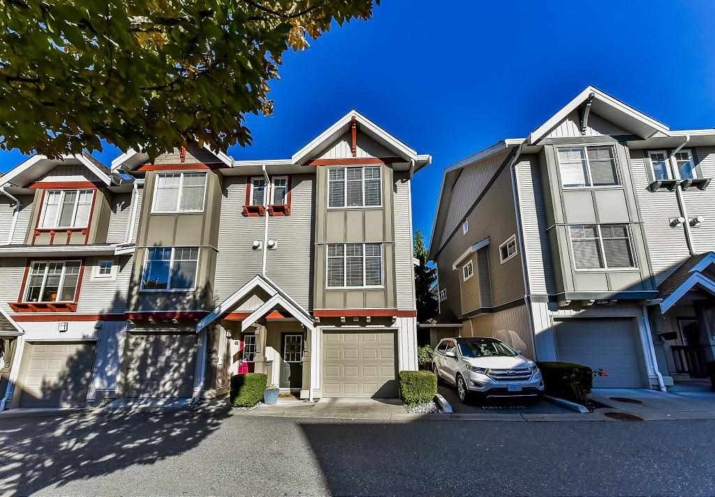 """Main Photo: 62 6651 203RD Street in Langley: Willoughby Heights Townhouse for sale in """"SUNSCAPE"""" : MLS®# R2217088"""