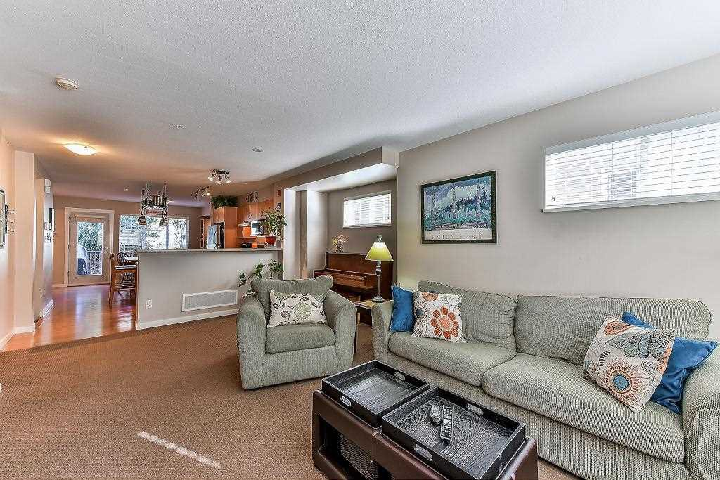 """Photo 8: Photos: 62 6651 203RD Street in Langley: Willoughby Heights Townhouse for sale in """"SUNSCAPE"""" : MLS®# R2217088"""