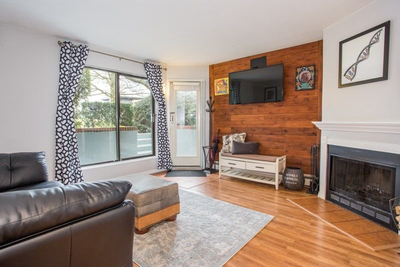 Main Photo: 102 607 E 8TH AVENUE in Vancouver: Mount Pleasant VE Condo for sale (Vancouver East)  : MLS®# R2244888