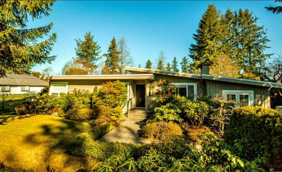 Main Photo: 13871 18 Avenue in Surrey: Sunnyside Park Surrey House for sale (South Surrey White Rock)  : MLS®# R2245433