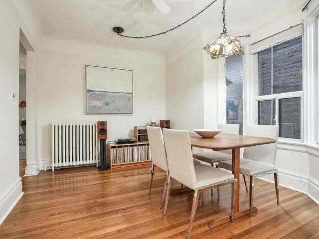 Photo 3: Photos: 55 Bloomfield Avenue in Toronto: South Riverdale House (2 1/2 Storey) for sale (Toronto E01)  : MLS®# E4243724