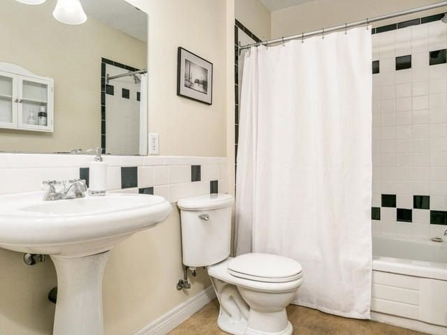 Photo 5: Photos: 55 Bloomfield Avenue in Toronto: South Riverdale House (2 1/2 Storey) for sale (Toronto E01)  : MLS®# E4243724