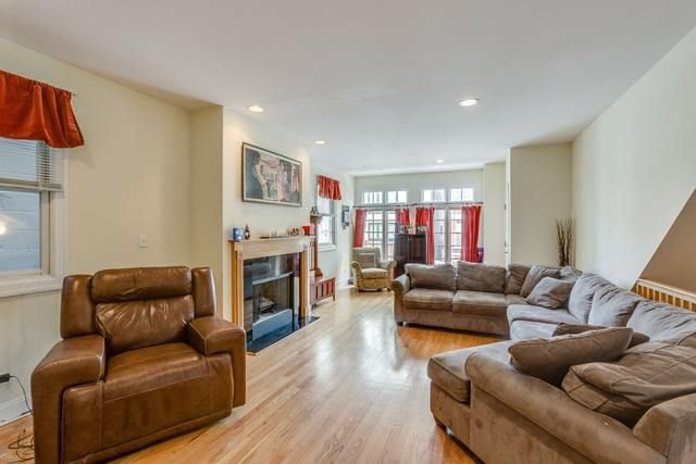Photo 2: Photos: 718 Willard Court Unit 1 in CHICAGO: CHI - West Town Condo, Co-op, Townhome for sale ()  : MLS®# MRD10089776