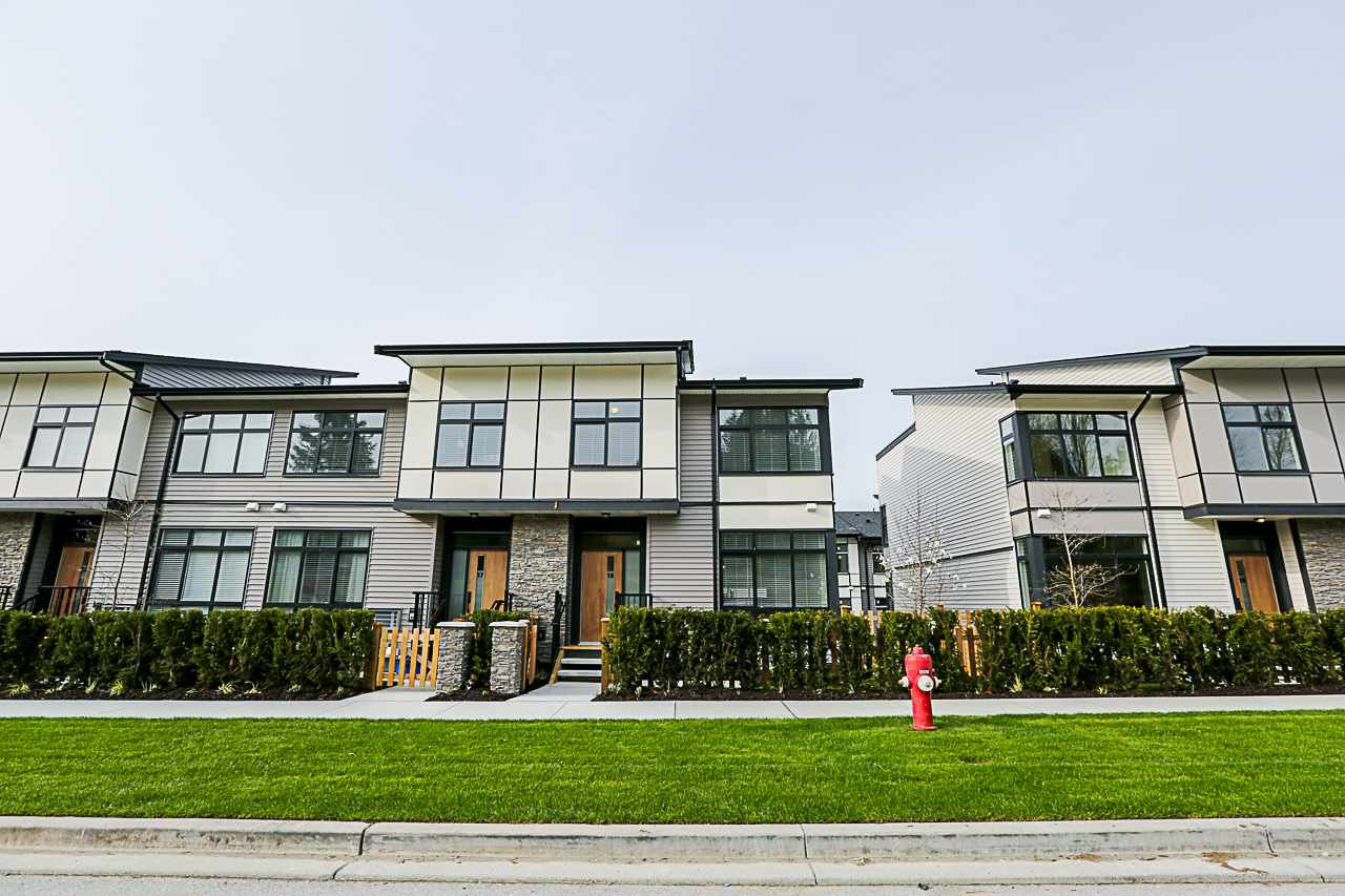 Main Photo: 18 14057 60A Avenue in Surrey: Sullivan Station Townhouse for sale : MLS®# R2331155