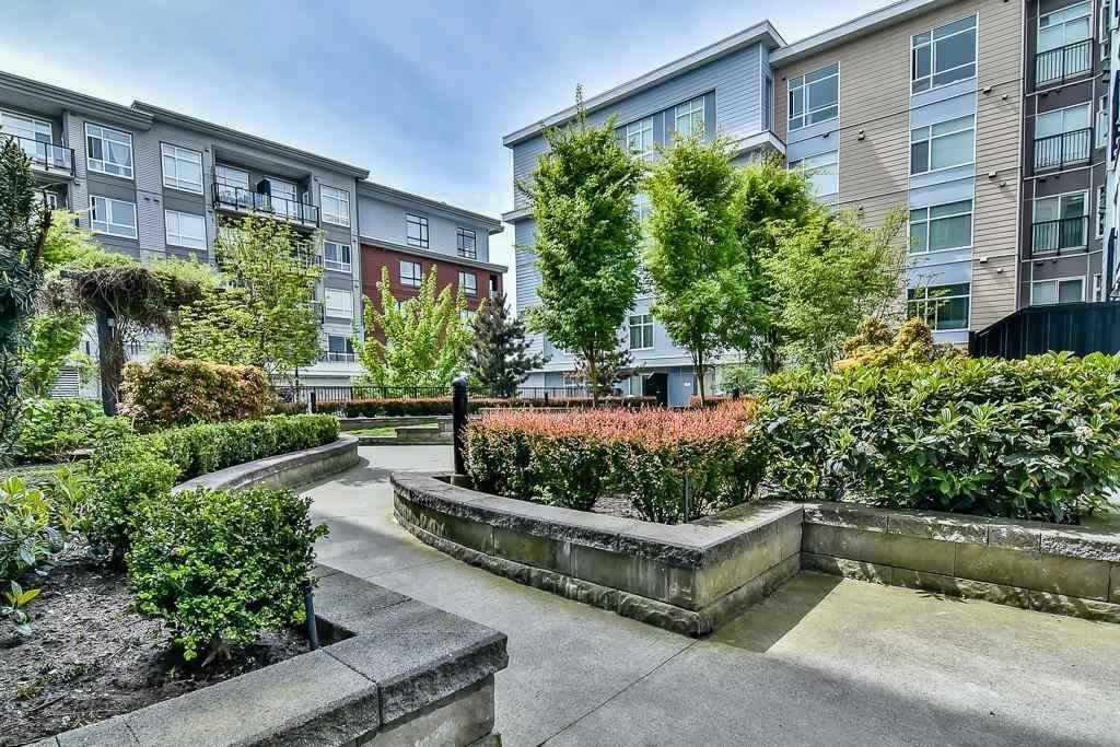 "Main Photo: 510 13728 108 Avenue in Surrey: Whalley Condo for sale in ""QUATTRO 3"" (North Surrey)  : MLS®# R2338627"