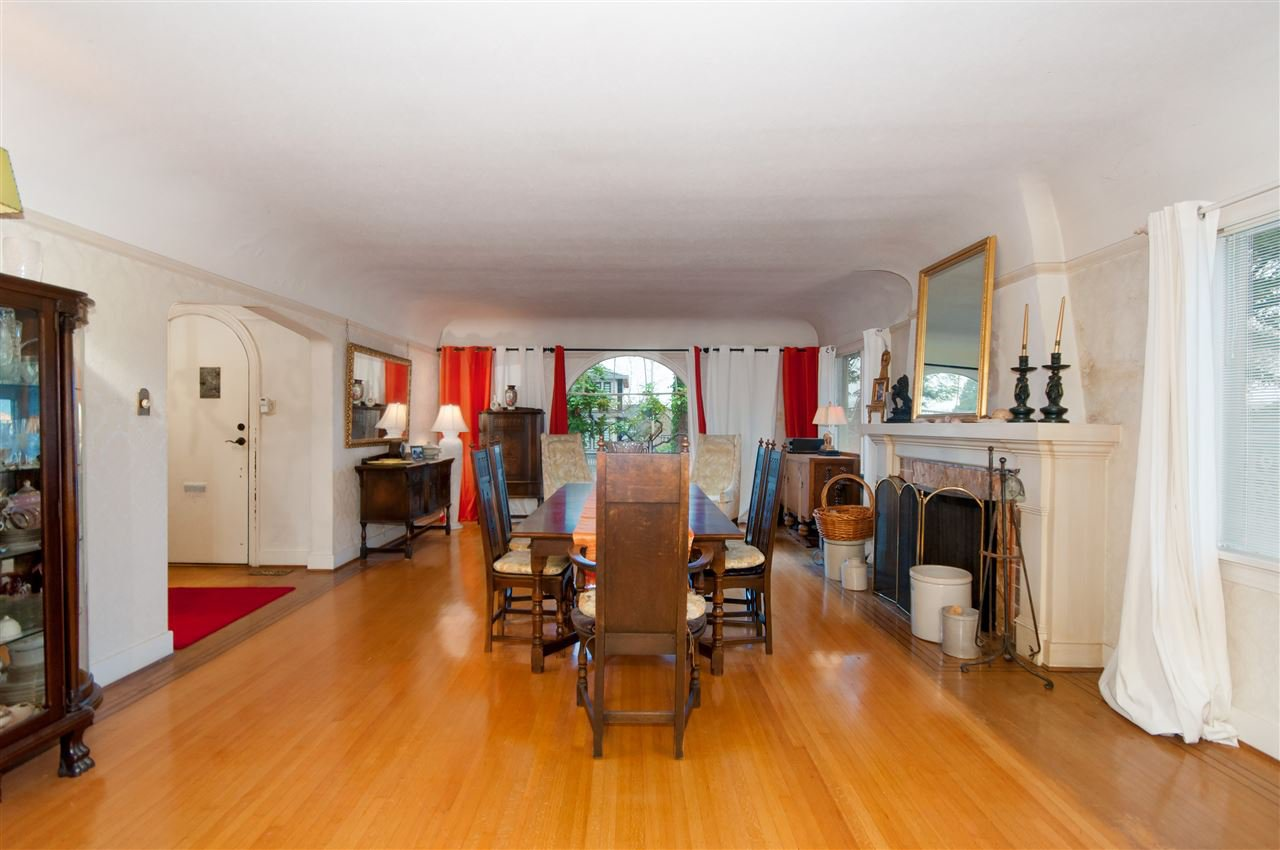 Photo 3: Photos: 4911 BLENHEIM Street in Vancouver: Dunbar House for sale (Vancouver West)  : MLS®# R2344653
