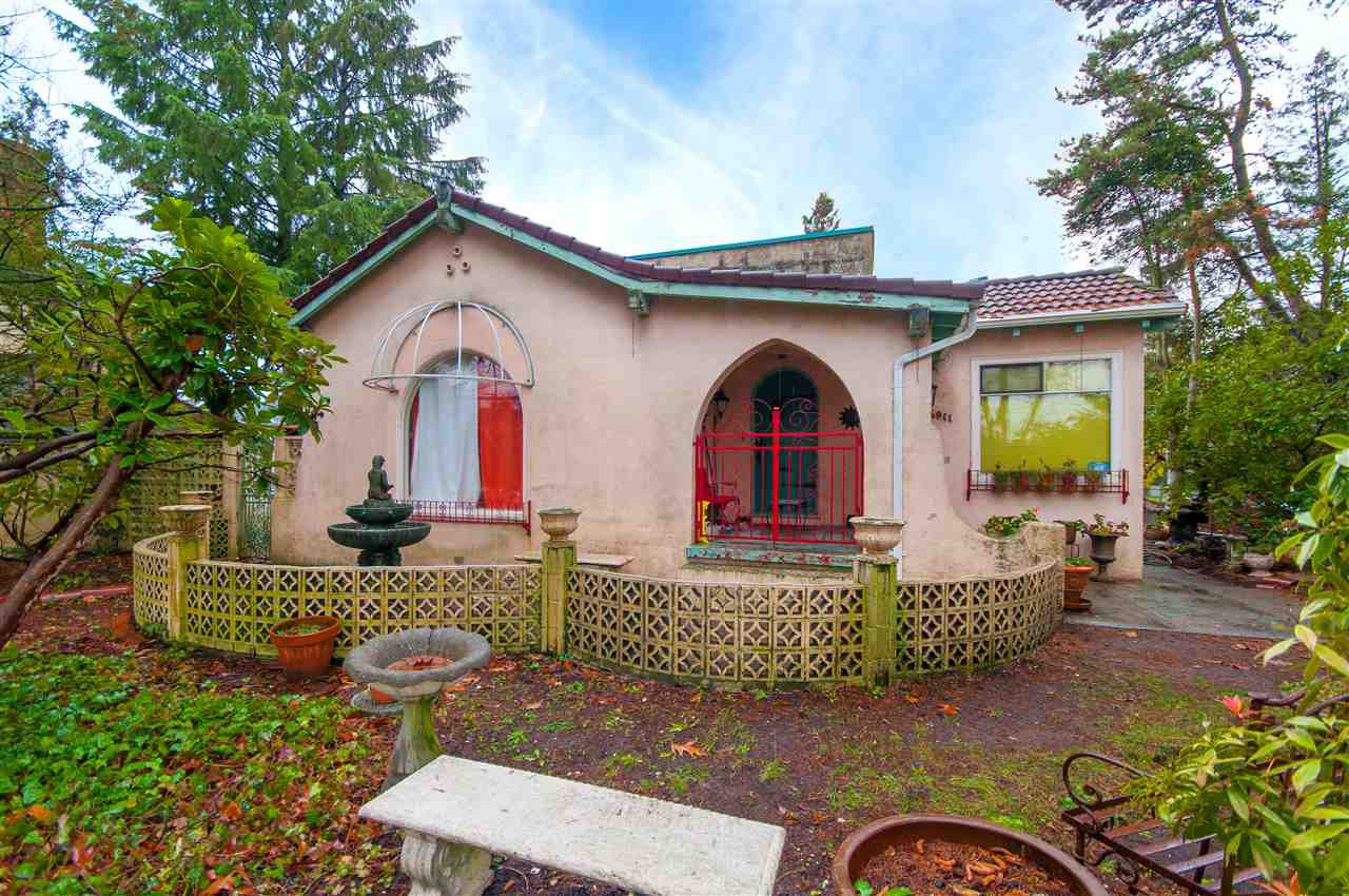Photo 2: Photos: 4911 BLENHEIM Street in Vancouver: Dunbar House for sale (Vancouver West)  : MLS®# R2344653