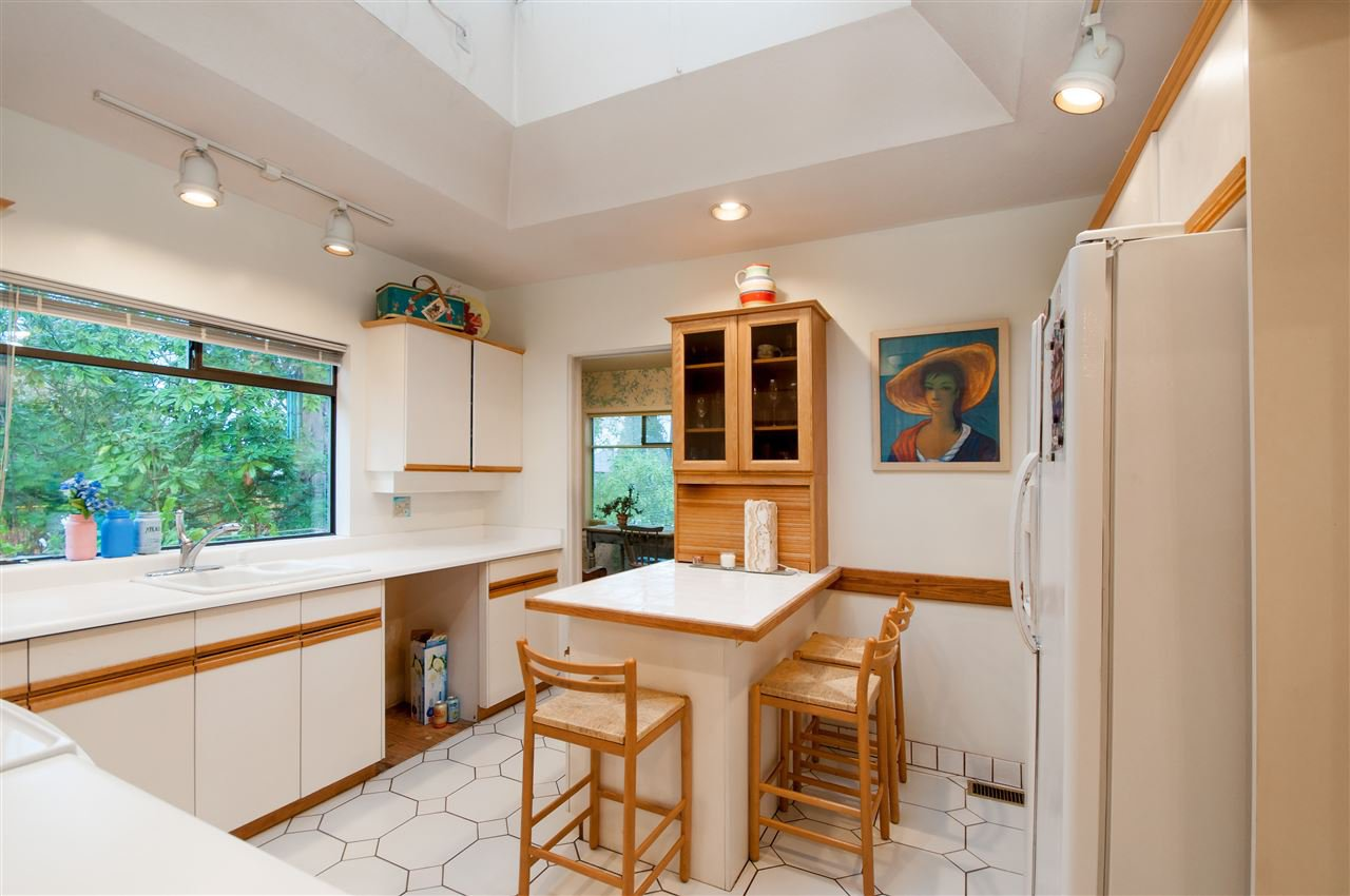 Photo 6: Photos: 4911 BLENHEIM Street in Vancouver: Dunbar House for sale (Vancouver West)  : MLS®# R2344653