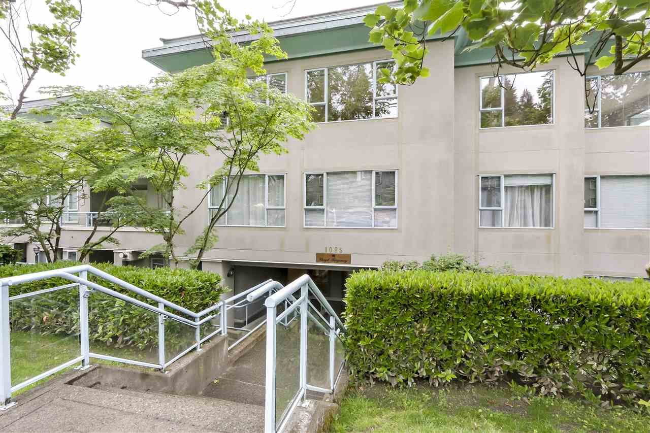 "Main Photo: 102 1085 W 17TH Street in North Vancouver: Pemberton NV Condo for sale in ""LLOYD REGENCY"" : MLS®# R2373629"