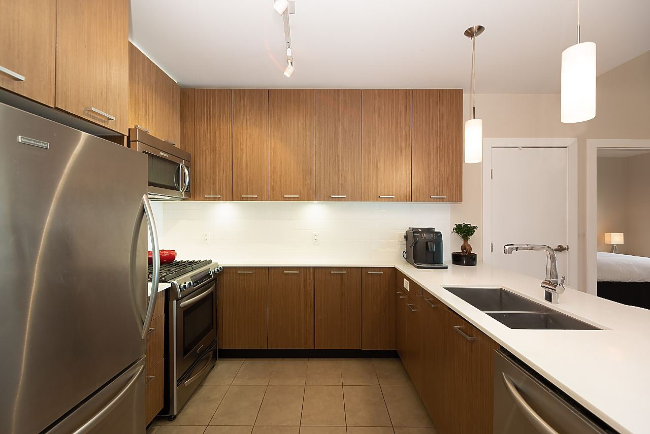 "Photo 13: Photos: 411 1182 W 16TH Street in North Vancouver: Norgate Condo for sale in ""The Drive 2"" : MLS®# R2376590"