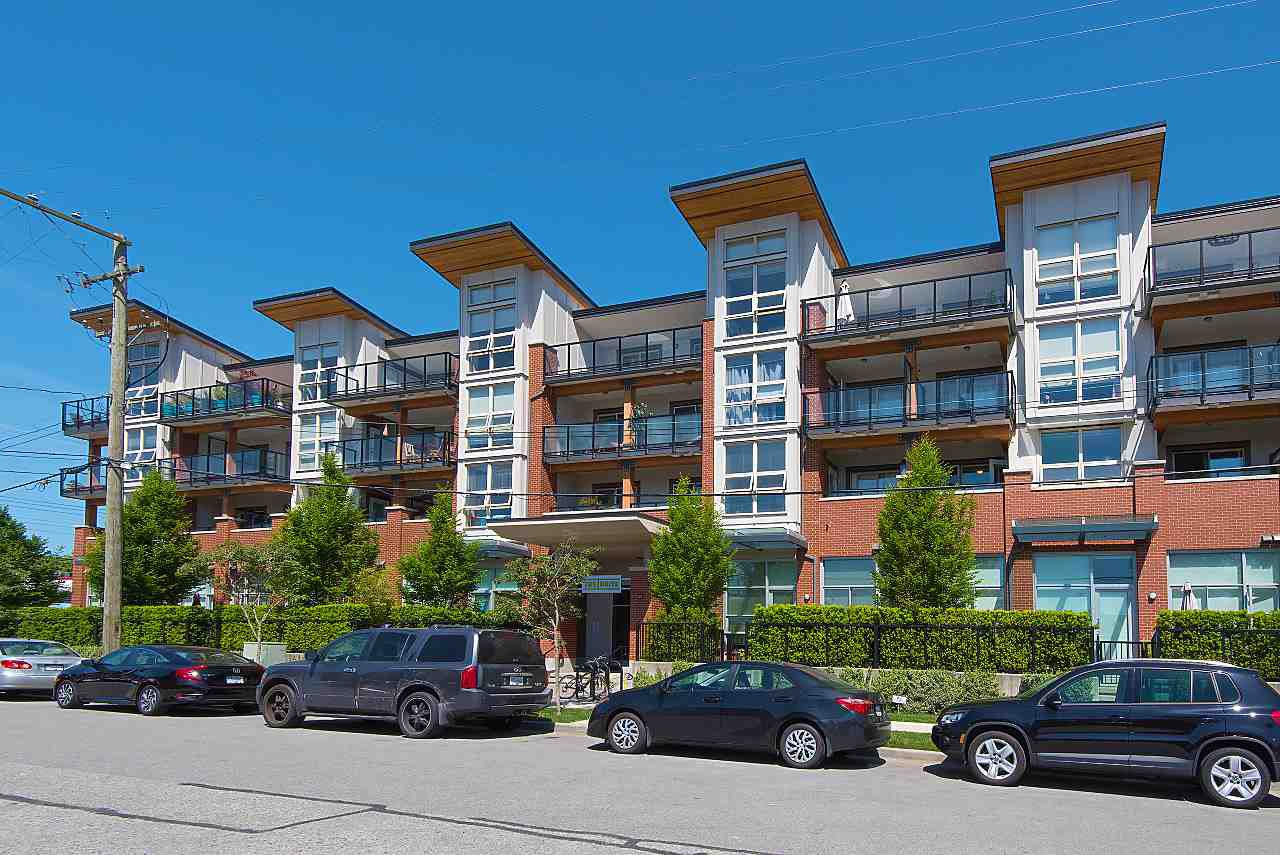 "Photo 2: Photos: 411 1182 W 16TH Street in North Vancouver: Norgate Condo for sale in ""The Drive 2"" : MLS®# R2376590"