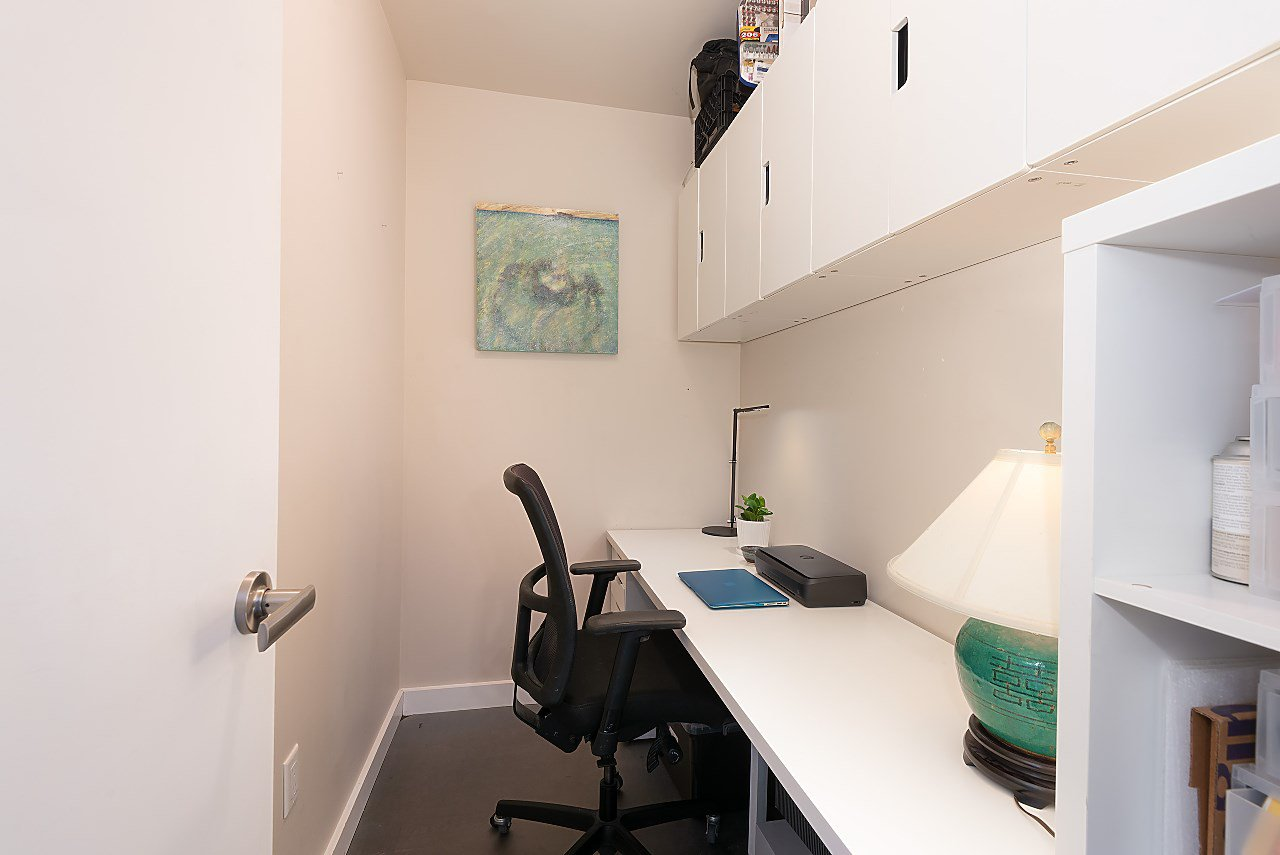 "Photo 18: Photos: 411 1182 W 16TH Street in North Vancouver: Norgate Condo for sale in ""The Drive 2"" : MLS®# R2376590"