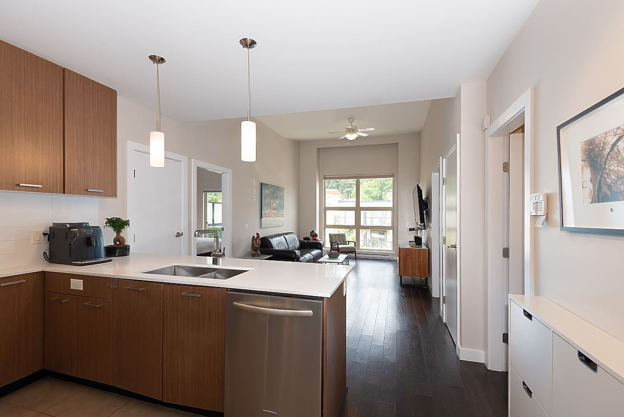 "Photo 6: Photos: 411 1182 W 16TH Street in North Vancouver: Norgate Condo for sale in ""The Drive 2"" : MLS®# R2376590"