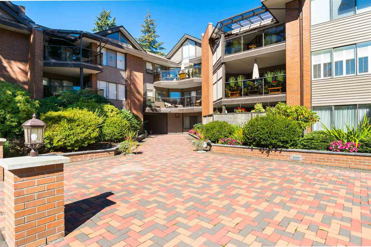 "Main Photo: 208 15270 17 Avenue in Surrey: King George Corridor Condo for sale in ""Cambridge"" (South Surrey White Rock)  : MLS®# R2377704"
