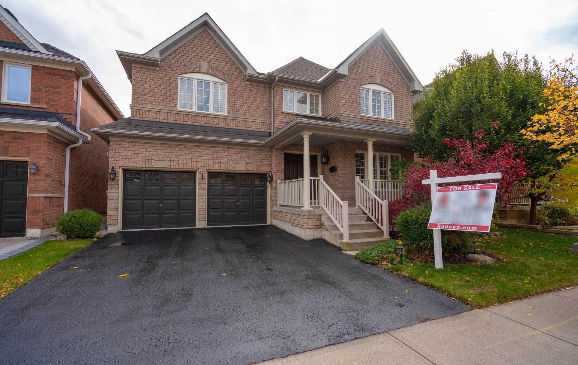 Main Photo: 527 Hartley Boulevard in Milton: Clarke House (2-Storey) for sale : MLS®# W4617262