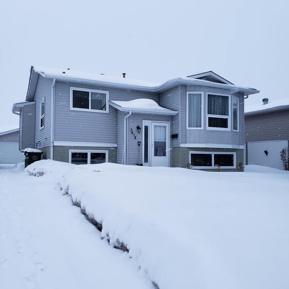 Main Photo: 3414 39 Street: Leduc House for sale : MLS®# E4190597