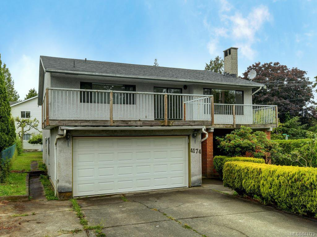 Main Photo: 4174 Glanford Ave in Saanich: SW Glanford Single Family Detached for sale (Saanich West)  : MLS®# 843773