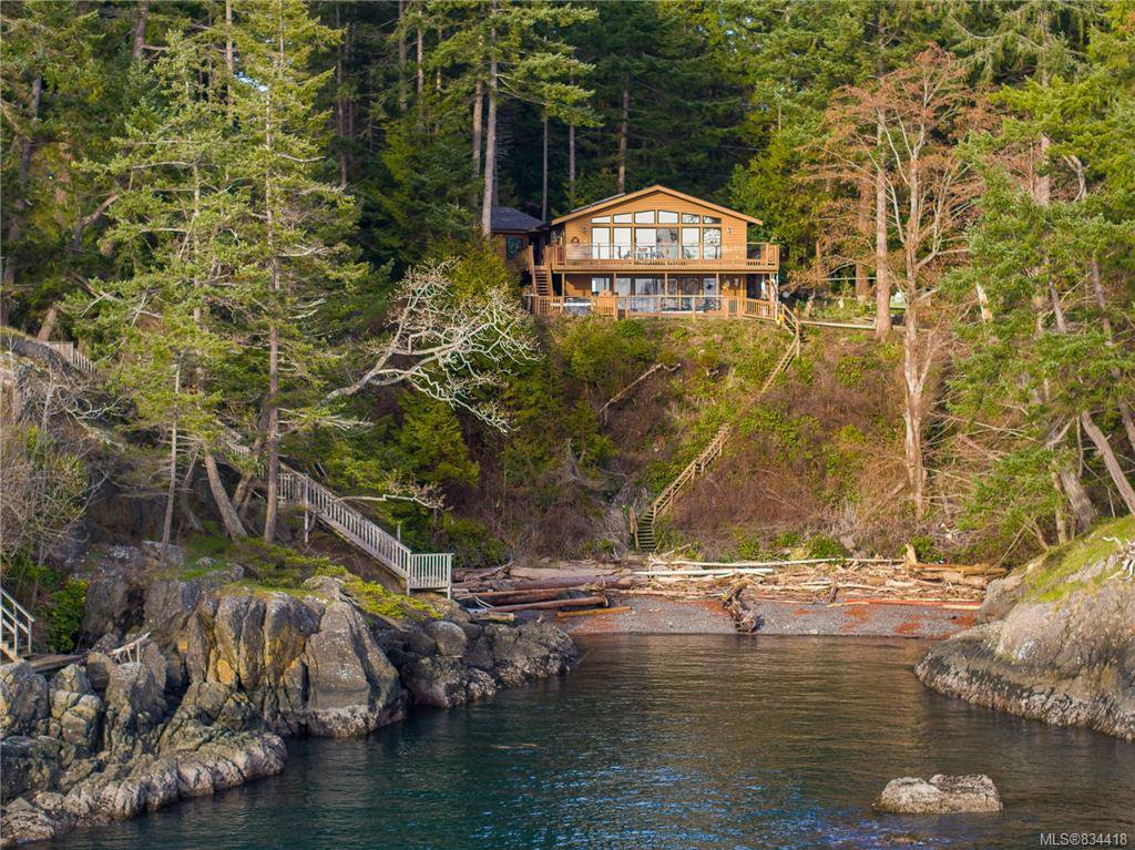 Main Photo: 7931 Plumper Way in Pender Island: GI Pender Island Single Family Detached for sale (Gulf Islands)  : MLS®# 834418