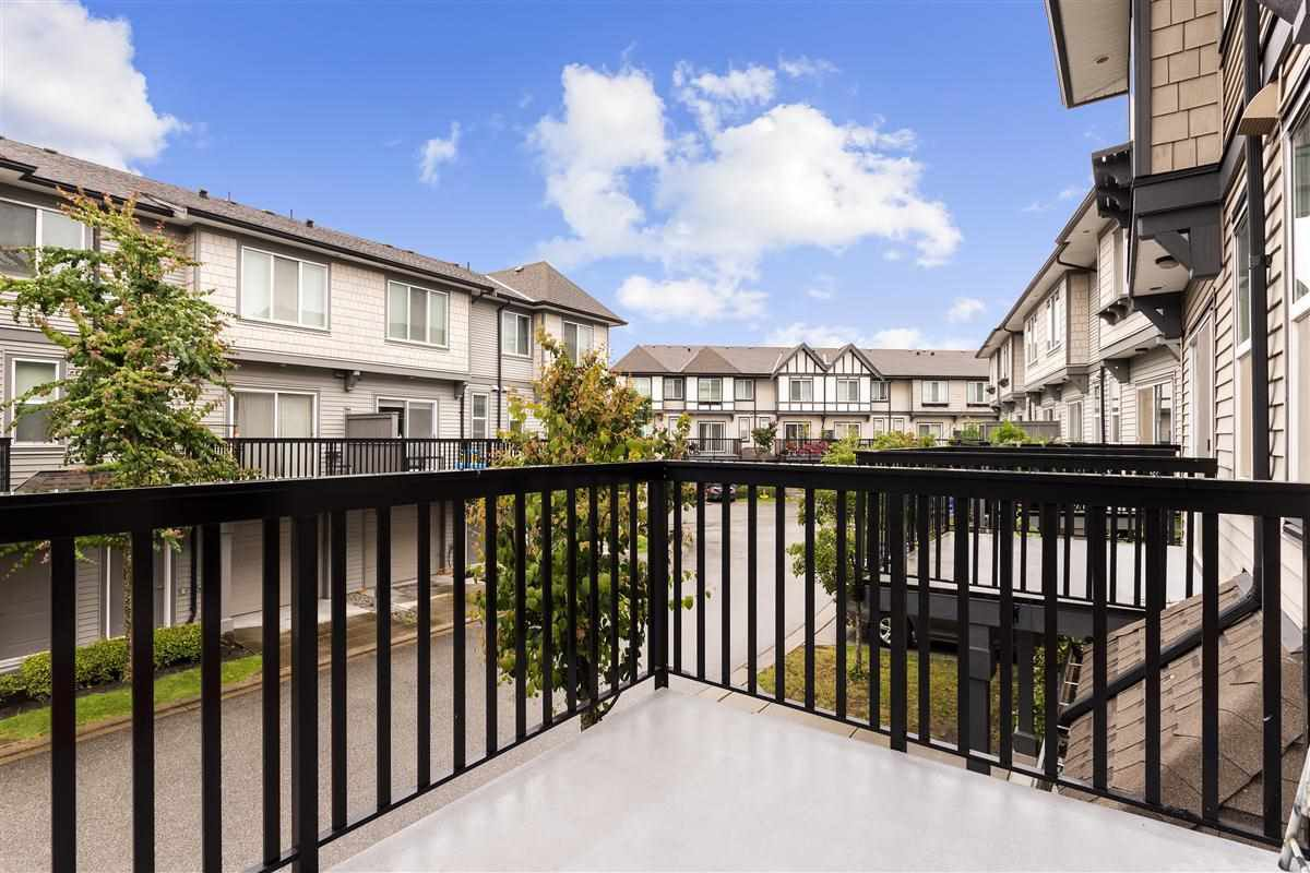 Photo 10: Photos: 9 9566 TOMICKI AVENUE in Richmond: West Cambie Townhouse for sale : MLS®# R2472184