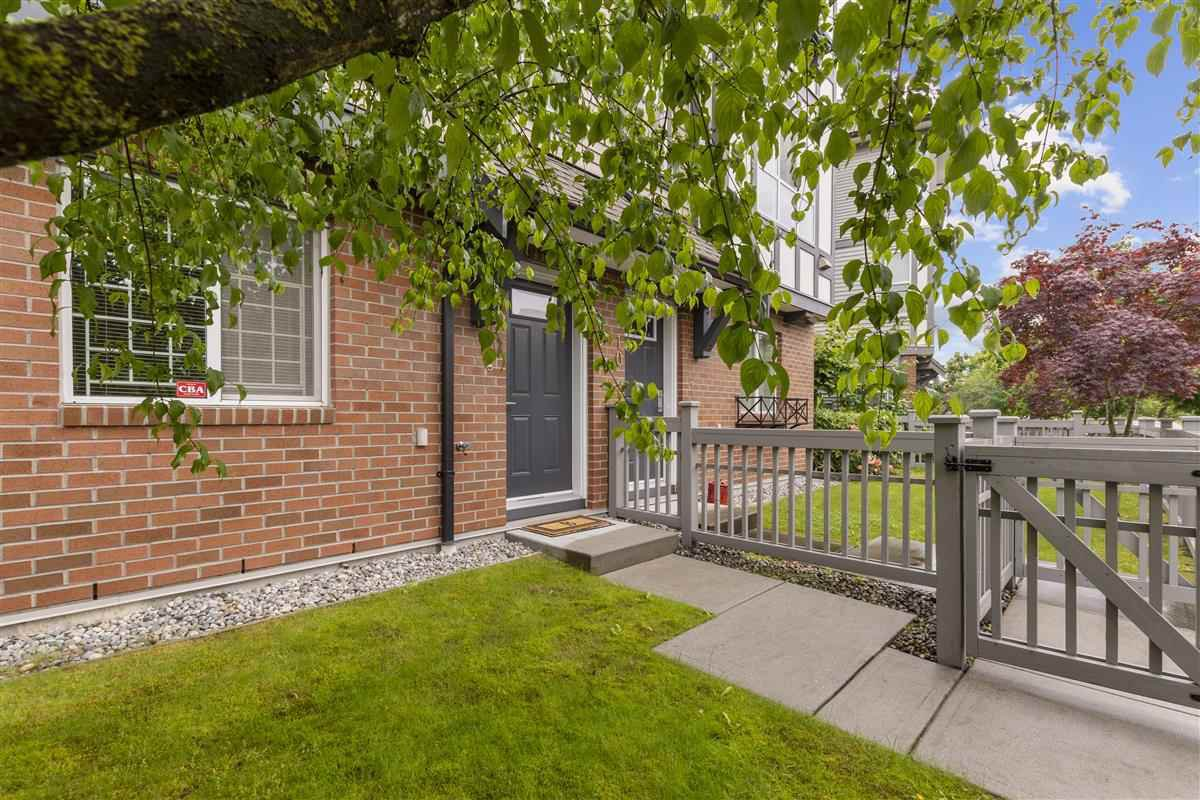 Photo 2: Photos: 9 9566 TOMICKI AVENUE in Richmond: West Cambie Townhouse for sale : MLS®# R2472184