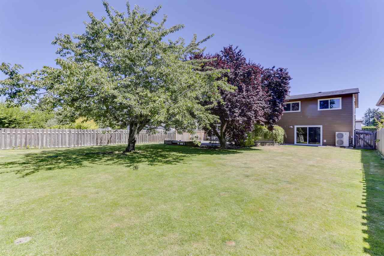 """Main Photo: 5159 GALWAY Drive in Delta: Pebble Hill House for sale in """"PEBBLE HILL"""" (Tsawwassen)  : MLS®# R2485472"""