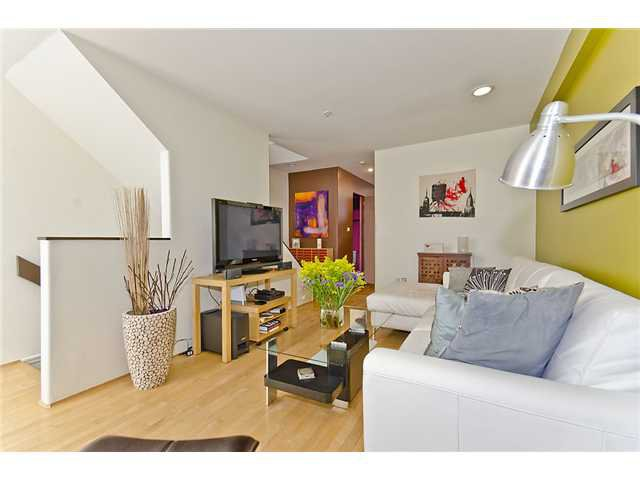 Main Photo: 2 1549 HARO Street in Vancouver: West End VW Condo for sale (Vancouver West)  : MLS®# V905363
