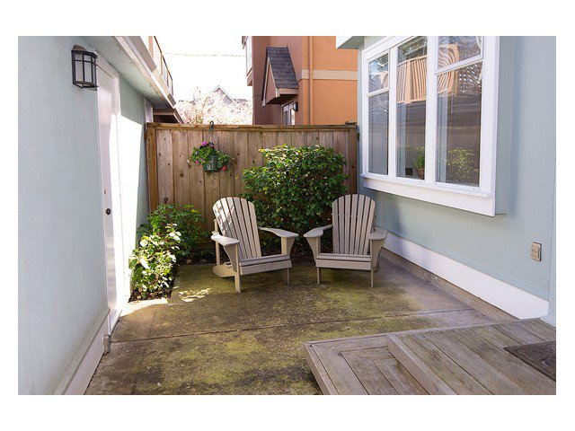 Photo 15: Photos: 3111 W 6TH Avenue in Vancouver: Kitsilano House 1/2 Duplex for sale (Vancouver West)  : MLS®# V1057939